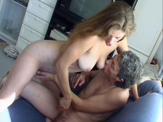 Une femme gourmande de sexe comme on les aime