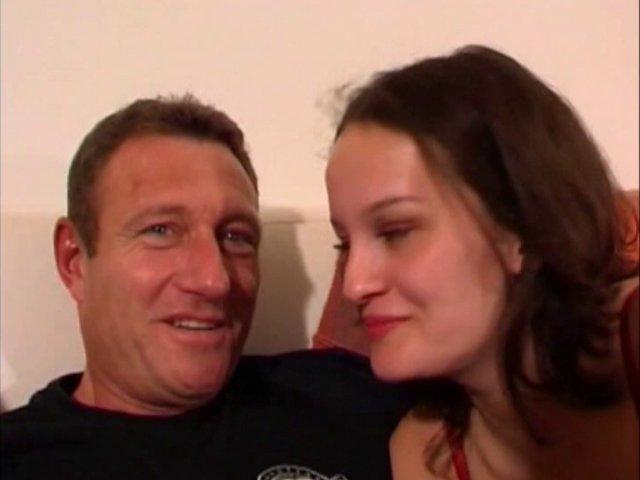 Une salope vient tourner une vidéo en France